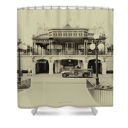 Train Statin Wdw In Heirloom Mp Shower Curtain