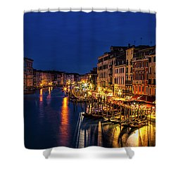 Shower Curtain featuring the photograph Twilight From The Rialto Bridge by Andrew Soundarajan