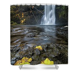 Upper North Falls In Autumn Shower Curtain by David Gn