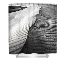 Shower Curtain featuring the photograph Wavetheory V by Ryan Weddle