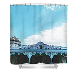Solo Traditional Building Shower Curtain