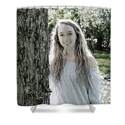 2bee Shower Curtain