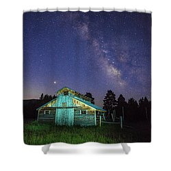 Shower Curtain featuring the photograph Barn In Rocky 2 by Gary Lengyel