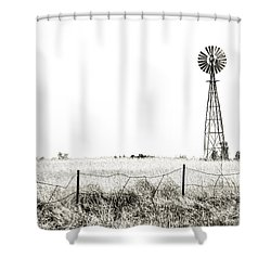 Shower Curtain featuring the photograph Colorado Windmill by Andy Crawford