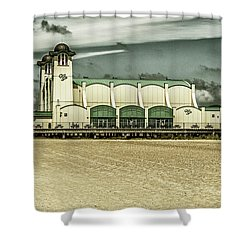 Shower Curtain featuring the photograph Great Yarmouth Wellington Pier by Scott Lyons