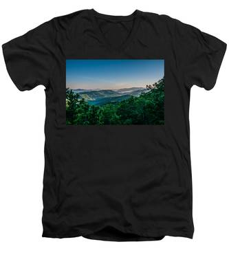Beautiful Scenery From Crowders Mountain In North Carolina Men's V-Neck T-Shirt
