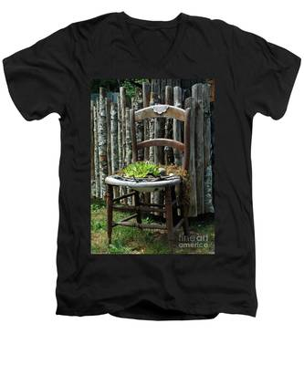 Chair Planter Men's V-Neck T-Shirt