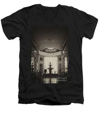 Fountain In The Light Men's V-Neck T-Shirt