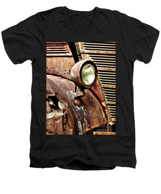 Rusted Men's V-Neck T-Shirt