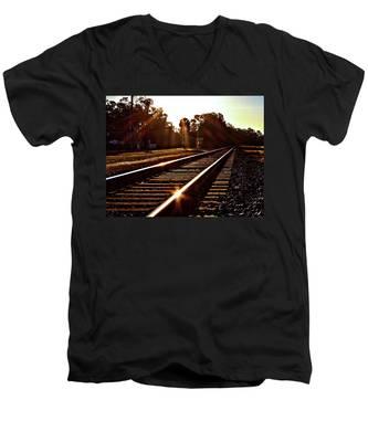 Traintastic Men's V-Neck T-Shirt