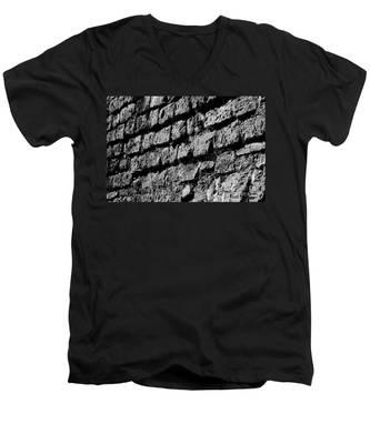 Black Wall Men's V-Neck T-Shirt