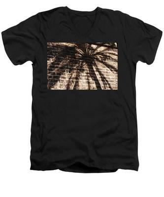Palm Tree Cup Men's V-Neck T-Shirt