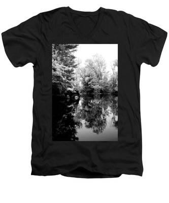 Black River 6 Men's V-Neck T-Shirt