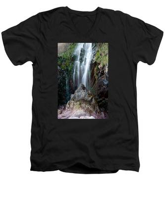 Clovelly Waterfall Men's V-Neck T-Shirt