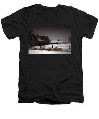 Cold Winter Night Men's V-Neck T-Shirt