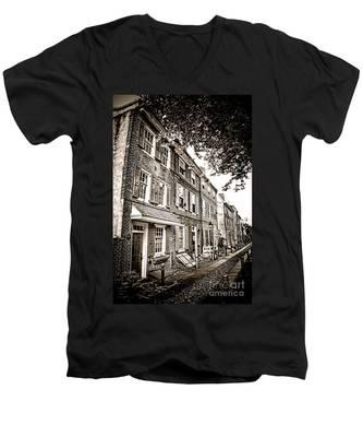 Elfreth Alley  Men's V-Neck T-Shirt