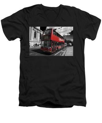 London Bus Men's V-Neck T-Shirt