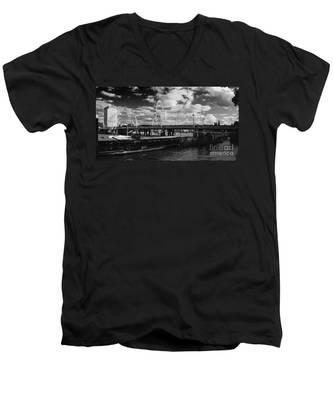 London S Skyline Men's V-Neck T-Shirt