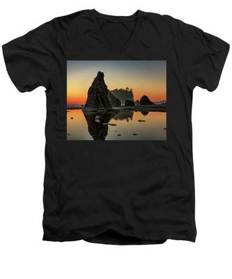 Men's V-Neck T-Shirt featuring the photograph Ruby Beach At Sunset by Kyle Lee