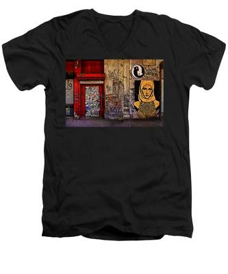 West Village Wall Nyc Men's V-Neck T-Shirt