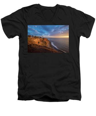 Beautiful Point Vicente Lighthouse At Sunset Men's V-Neck T-Shirt