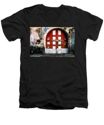 Doors Of India - Garage Door Men's V-Neck T-Shirt