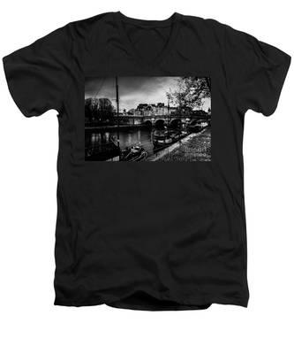Paris At Night - Seine River Towards Pont Neuf Men's V-Neck T-Shirt