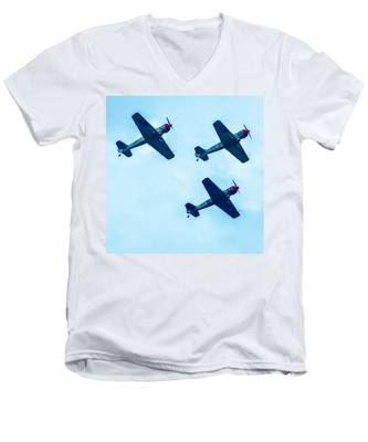 Action In The Sky During An Airshow Men's V-Neck T-Shirt