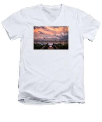 Carolina Dreams Men's V-Neck T-Shirt