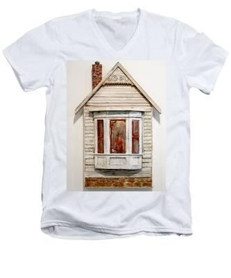 Mm004 Men's V-Neck T-Shirt