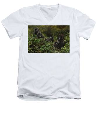 Family Of Gorillas Men's V-Neck T-Shirt