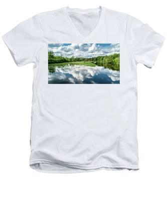 Fox River Men's V-Neck T-Shirt