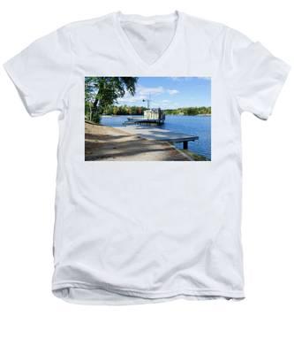 Gull Lake Park Gravenhurst 2 Men's V-Neck T-Shirt