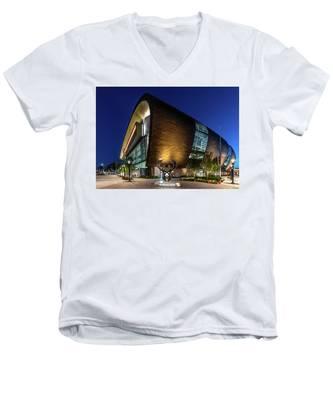 Milwaukee Bucks Men's V-Neck T-Shirt
