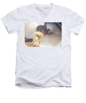 Nautilus 0442 Men's V-Neck T-Shirt