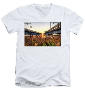 North Grand Island Bridges Men's V-Neck T-Shirt