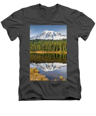 Mount Rainier And Reflection Lakes In The Fall Men's V-Neck T-Shirt