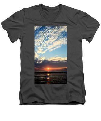 An Ocean And A Sunrise Men's V-Neck T-Shirt