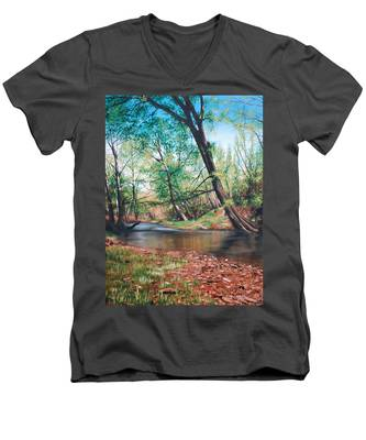 Bull Creek Men's V-Neck T-Shirt
