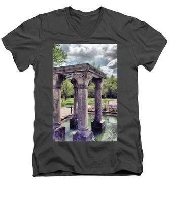 Columns In The Water Men's V-Neck T-Shirt