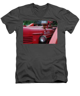 Farmall Tractor Men's V-Neck T-Shirt