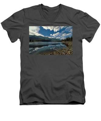 Haviland Lake Men's V-Neck T-Shirt