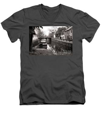 In Georgetown Men's V-Neck T-Shirt