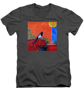 Magpie Singing At The Bath Men's V-Neck T-Shirt