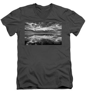 Mirror Explosion Men's V-Neck T-Shirt