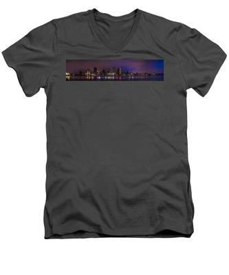 New Orleans Skyline Men's V-Neck T-Shirt