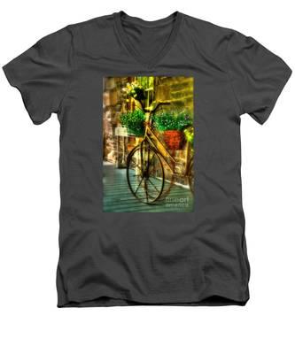 Still Useful Men's V-Neck T-Shirt