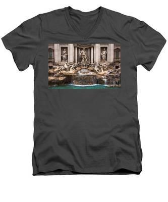 Trevi Fountain Men's V-Neck T-Shirt