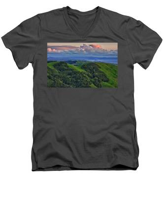 View Of Morro Bay Men's V-Neck T-Shirt