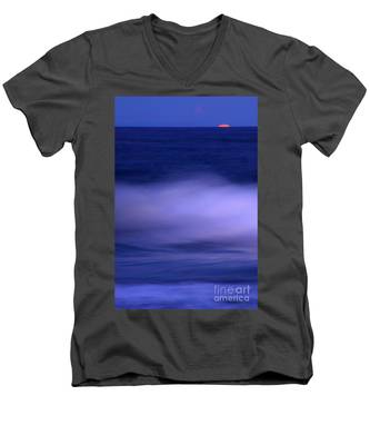 The Red Moon And The Sea Men's V-Neck T-Shirt
